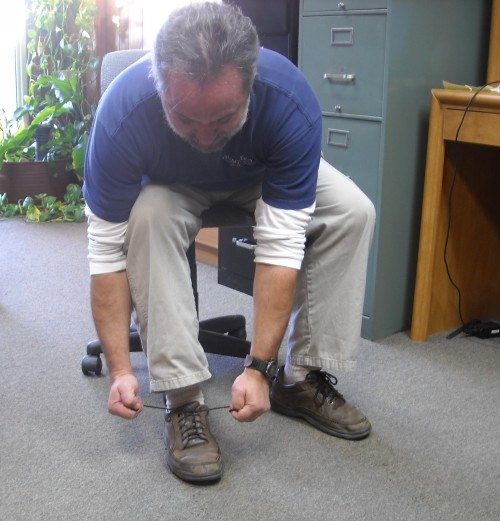 tying shoes the out-of-shape way